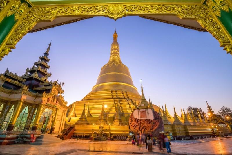 การเดินทางสู่พม่า